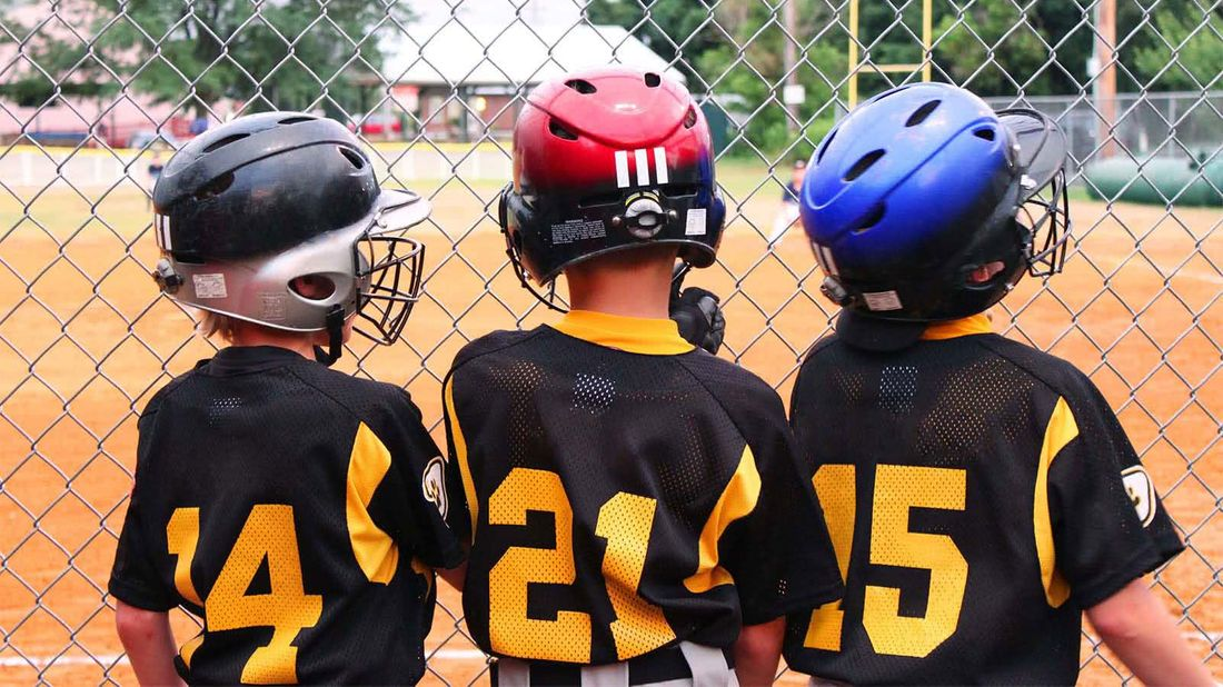 How to control the cost of youth sports baseball players