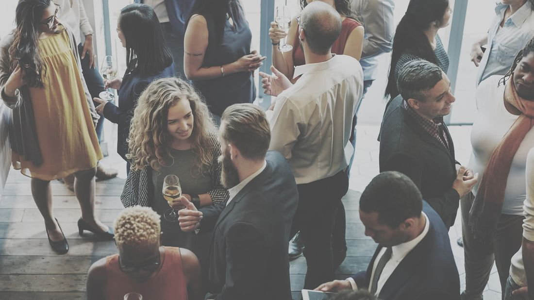 How to network crowd at a networking event