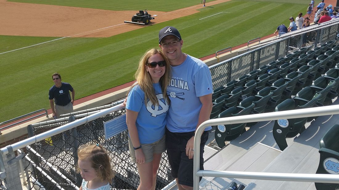 couple at baseball game