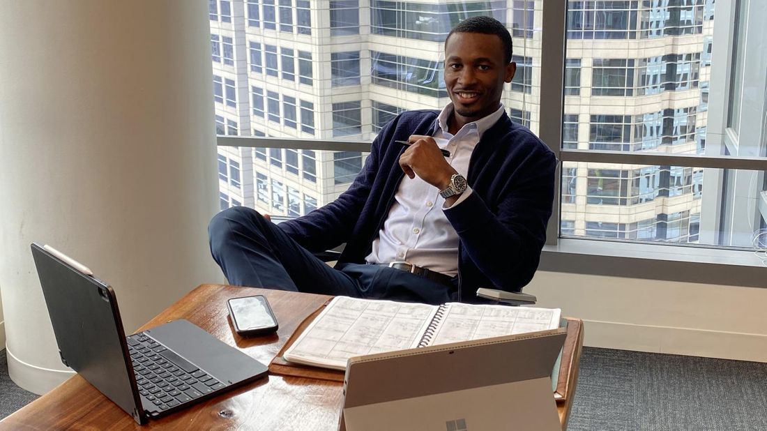 Financial Advisor Derrick Murray