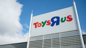 Toys R Us closing storefront
