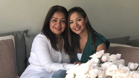 Financial Advisor Sindy Canizales-Walters and her mom.