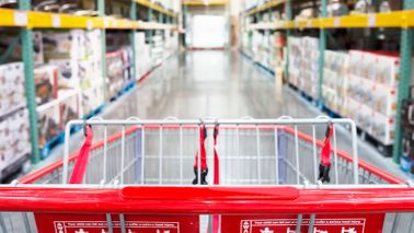 What to buy in bulk shopping cart in warehouse isle