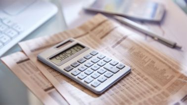 What is a Roth IRA calculator on a newspaper