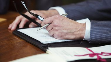 Attorney drafting a will