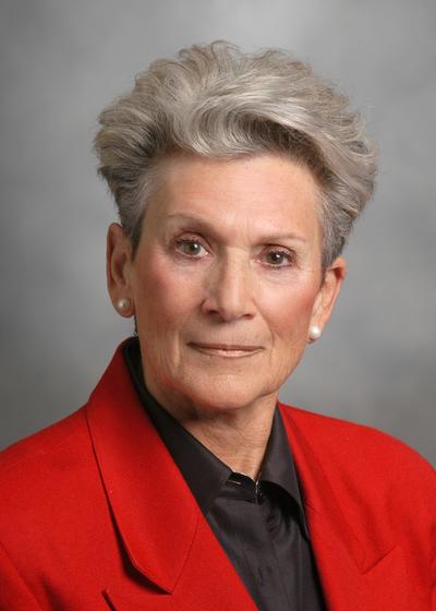 Lynn R Selby