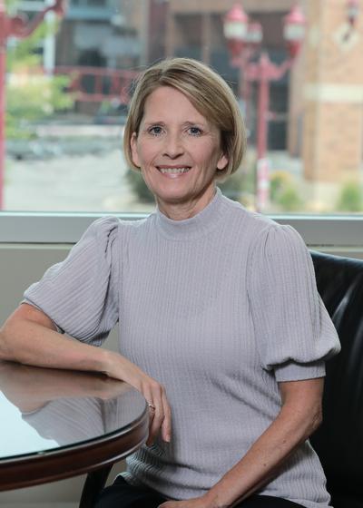Cheryl M Reynolds