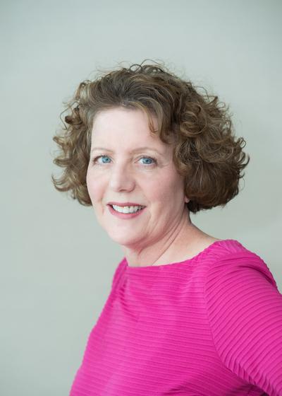 Carol J Welsh