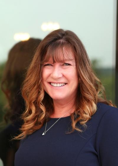 Kelly Davidson - Northwestern Mutual headshot