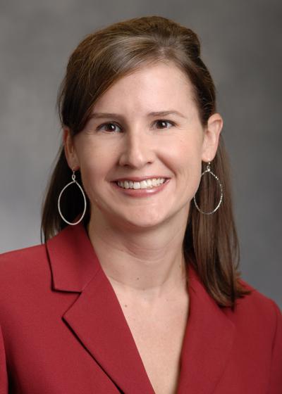 Kelly Pestka headshot