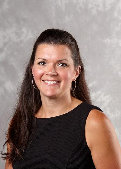 Denise Janecek headshot