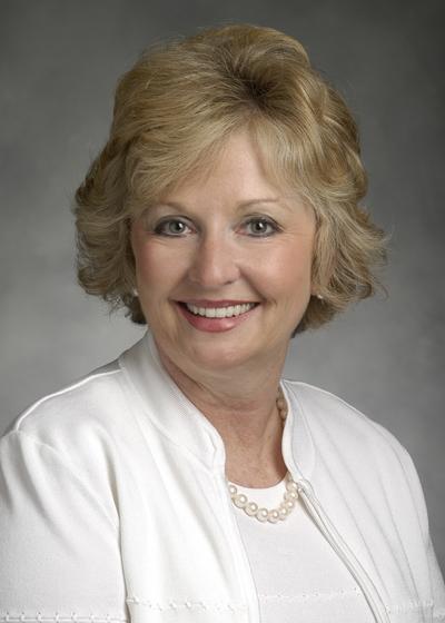 Gayle Dustman