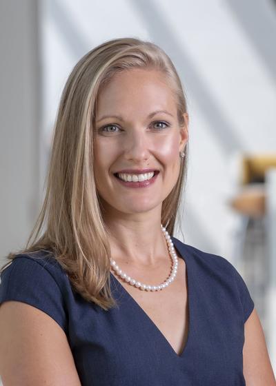 Heidi Deglow headshot