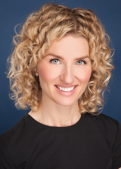 Rebecca Holloway headshot