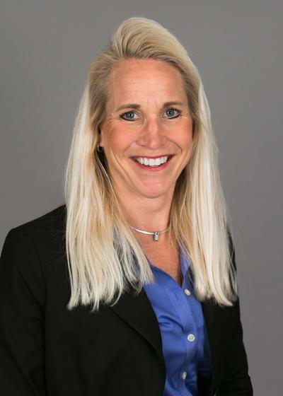 Amy Dowd headshot