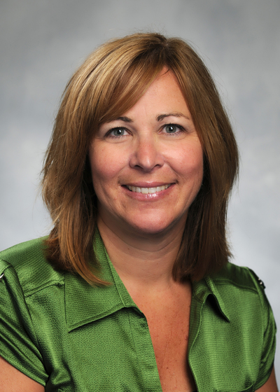 Mary Schneider headshot