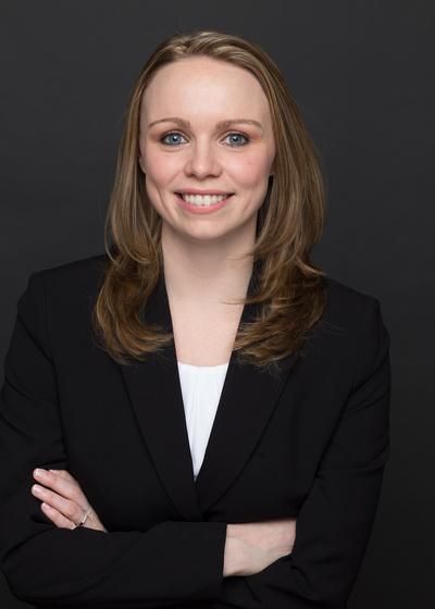 Theresa Calabrese headshot
