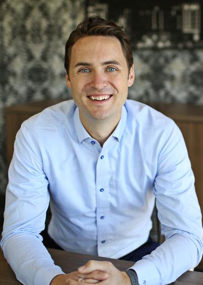 Joshua C Willour
