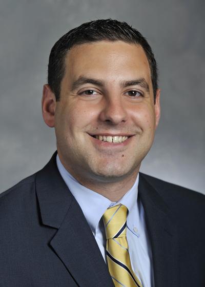 Alex Klein headshot