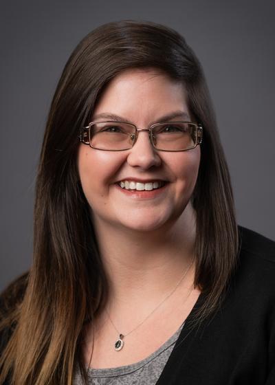 Lindsey P Smith