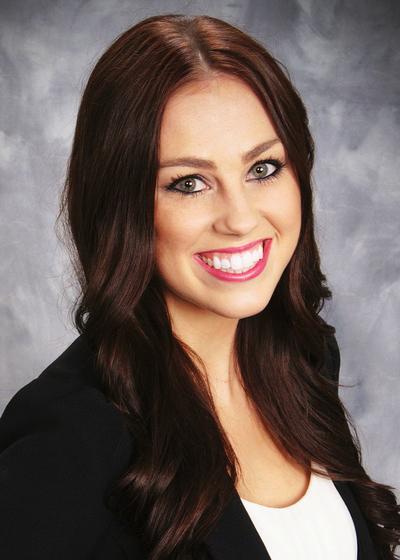 Kayla VandenBosch headshot