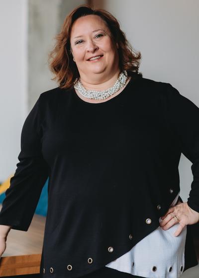 Lisa M Roettger