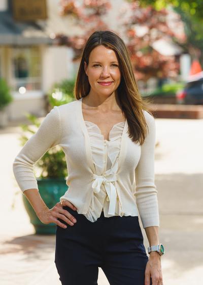 Melissa R Miller
