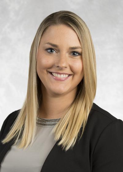 Cheyenne Svihla headshot