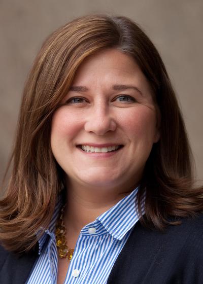 Jennifer L Waletzke