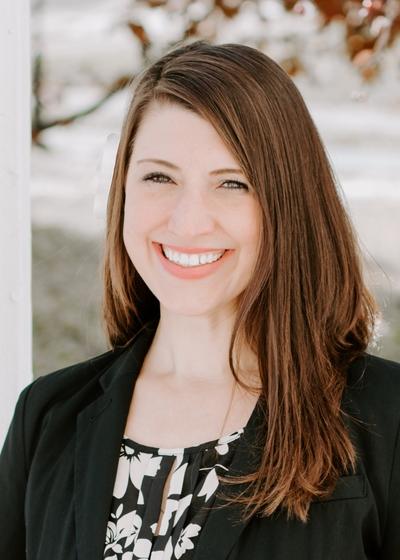 Amber Stanek headshot