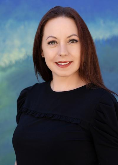 Jessica L Abbott