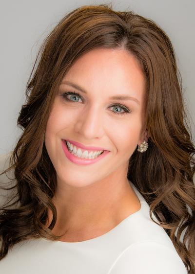 Natalie Hilgers headshot