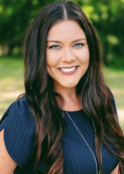 Caroline Robles - Northwestern Mutual headshot