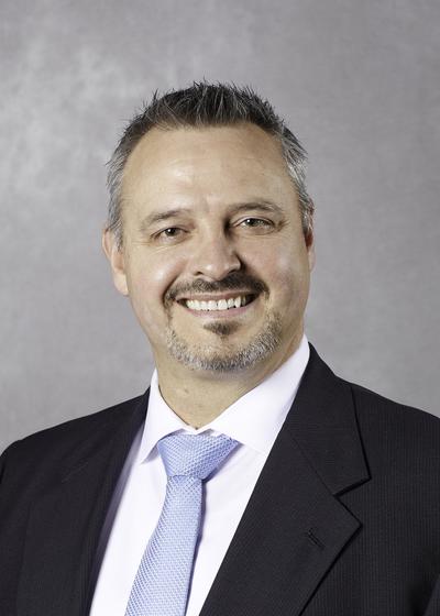 Michael Riggs headshot