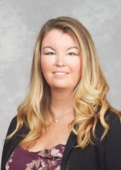 Tracy Fakes headshot