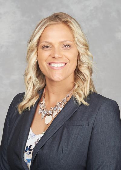 Elizabeth Kirchmeier headshot