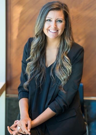 Megan Razenberg headshot
