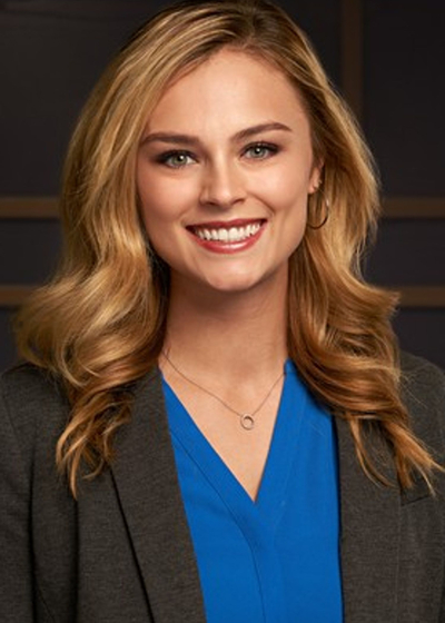 Lauren St John headshot